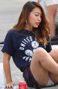 ○パンチラ - みちゃダメ!だって! Beautiful Japanese Girl, Beautiful Asian Girls, Candid Girls, Up Skirt Pics, Under The Skirt, Girls Dress Up, Lace Bodysuit, Sexy Asian Girls, Asian Beauty