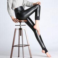 2017 Nuevo de Las Mujeres Elásticos Pantalones de Terciopelo Grueso Femenino de Cuero de LA PU pantalones de Cintura Alta de Invierno Cálido Delgado Atractivo Más El Tamaño de Lápiz pantalones