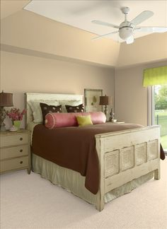 Benjamin Moore Lenox Tan HC-44 on the walls, Sandy beaches on the ceiling