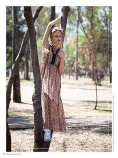 no. 000 photo: Gerardo Juárez. model: Ingrid Aver. makeup & hair: Made in Glory. stylist: Sarahí Reza. tenis: Reebok, maxi vestido: Forever 21, collar: Hand Made de la Editora. #MapleMag #InherentNature #Reebok #Forever21