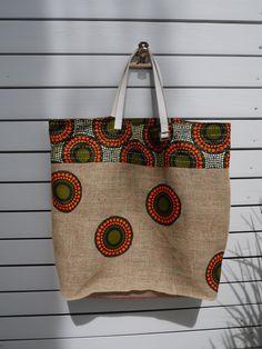 62ba75d2d6 Grand sac cabas pour la plage réalisé en toile de jute de sac à café recyclé