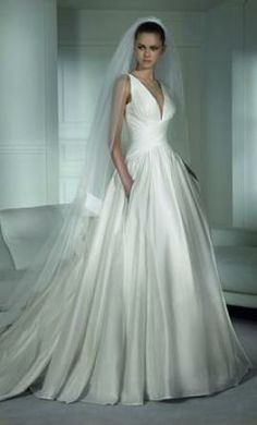Pronovias Wedding Dress On Sale - Off - ☄religious holiday (two times a year 'valentine's day') Best Picture For diy furniture Fo - Beautiful Wedding Gowns, New Wedding Dresses, Wedding Attire, Bridal Dresses, Bridesmaid Dresses, Gown Wedding, Elegant Wedding, Timeless Wedding, Stunning Dresses
