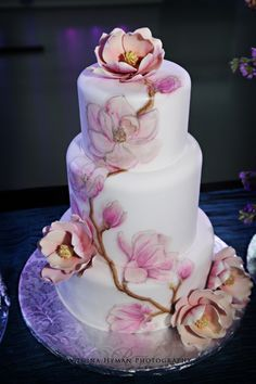 Round Wedding Cakes - Both the fondant and the flowers were painted and airbrushed Beautiful Wedding Cakes, Gorgeous Cakes, Pretty Cakes, Amazing Cakes, Bolo Floral, Floral Cake, Super Torte, Patisserie Fine, Airbrush Cake