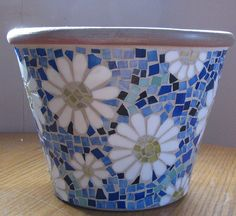 Mosaic Pots Trio: How To Make BrokenYou can find Mosaic pots and more on our website.Mosaic Pots Trio: How To Make Broken Mosaic Planters, Mosaic Garden Art, Mosaic Tile Art, Mosaic Vase, Mosaic Flower Pots, Mosaic Crafts, Mosaic Projects, Pebble Mosaic, Mosaic Madness