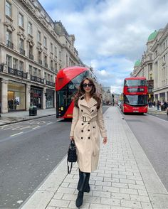 Moving To England, London, Trench Coats, Jackets, Projects, Fashion, Down Jackets, Log Projects, Moda