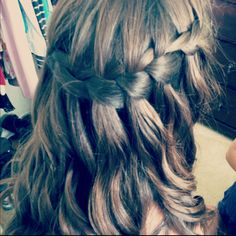 Did Jenna's beautiful hair for homecoming!