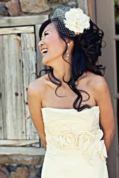 Gorgeous hair and veil with accessory