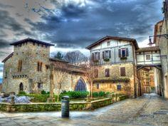 1258648763 Caballo Blanco in Pamplona