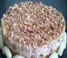 Esta tarta es ideal para los más pequeños ya que hemos usado conguitos y filipinos, dos cosas que les suelen encantar. Con ellos hemos formado una mousse que reposa sobre una base de galletas digestive. El resultado es francamente bueno y cuando la hagas triunfarás con tus invitados.
