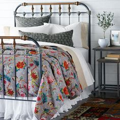 BOHO IRON BED...this is it!!! Getting it 4 master bed. Dream Bedroom, Home Bedroom, Bedroom Decor, Bedding Decor, Bedding Sets, Bedroom Ideas, Wrought Iron Beds, Interior Design Minimalist, Cosy Home