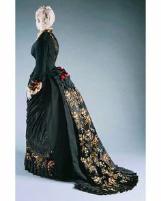 Afternoon dress by House of Worth, ca. 1878-1880 Philadelphia Museum of Art