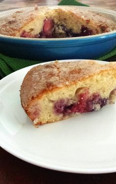 Mixed berry pie cake from Love the Taste
