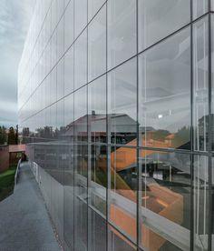 Saucier + Perrotte Architectes — Anne-Marie Edward Science Building at John Abbott College