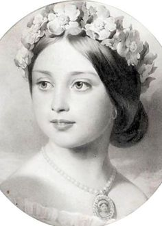 Young Princess Victoria ~ She inherited the throne aged after her father's t. - Young Princess Victoria ~ She inherited the throne aged after her father's three elder brothe - Queen Victoria Family, Queen Victoria Prince Albert, Victoria And Albert, Queen Victoria Young, Queen Victoria Children, Elizabeth Ii, Royal Queen, King Queen, Reine Victoria