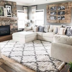 best cozy farmhouse living room decor ideas – page 9 GALLERY WALL IDEA…LOVE! best cozy farmhouse living room decor ideas – page 9 Decor Home Living Room, Small Living Room Design, Cozy Living Rooms, Living Room Interior, Home And Living, Living Room Designs, Home Decor, Living Room With Rug, Living Room With Sectional