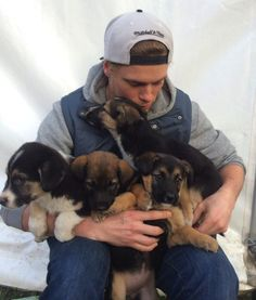 US Olympian finds stray puppies in Sochi  He actually RESCUED those four stray...