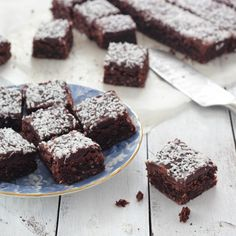It's Christmas party time at work and I was asked if I could bring along a sweet dish. We New Zealanders love our slices and this Chocolate Coconut Slice is a firm favourite. It's quick and easy to make and, like many of our favourite slices. Chocolate Coconut Slice, Coconut Brownies, Chocolate Brownies, Kiwi Recipes, Sweet Recipes, Bar Recipes, Cooking Chocolate, Healthy Chocolate, How Sweet Eats