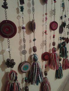Colgantes decorativos Painting Wallpaper, Make Happy, Pallet Art, Knit Fashion, Decoration, Bohemian Style, Dream Catcher, Tassels, Oriental