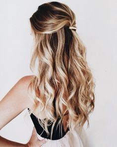 Amazing Half Up-Half Down Hairstyles For Long Hair - One and Done - Easy Step By Step Tutorials And Tips For Hair Styles And Hair Ideas For Prom, For The Bridesmaid, For Homecoming, Wedding, And Bride. Try An Updo Or A Half Up Half Down Hairstyle For Long Down Hairstyles For Long Hair, Pretty Hairstyles, Wedding Hairstyles, Wavy Hairstyles, Date Night Hairstyles, Hairstyle Ideas, Summer Hairstyles, Popular Hairstyles, Half Up Half Down Hairstyles
