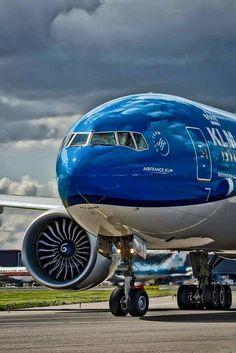 KLM Royal Dutch Airlines Boeing 777-306/ER                                                                                                                                                                                 Mais