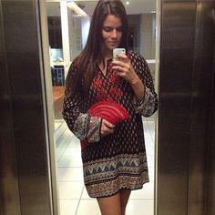 Fui assim ... #look #lookdodia #moda #fashion #day #lookday #lookemgrupo #lookemgrupooficial #vestido #dodia #clutch #lindamoliva #euusolindamoliva #errejota #domingo #pozzaria #palha #bolsa #bolsalovers
