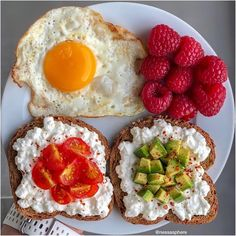 with ・・・ Here's Five healthy + easy Breakfast Ideas! *Swipeee for Inspo 🤩 Recipes + Calories below!🍽💫 ⠀ Which is your favourite All easy, quick, delicious and healthy :)x ⠀ ⠀ 🧀 HIGH PROTEIN ⠀ CALORIES One fried cris Easy Healthy Breakfast, Healthy Dinner Recipes, Breakfast Ideas, Balanced Breakfast, Breakfast Plate, Meal Recipes, Healthy Fries, Healthy Snacks, Healthy Chicken