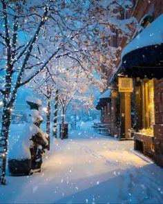 Merry Christmas Gif, Christmas Scenery, Winter Scenery, Christmas Quotes, Christmas Music, Christmas Movies, Christmas Pictures, Simple Christmas, Beautiful Christmas