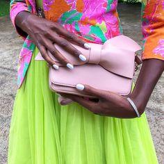 Un look soigné n'est rien sans une belle manucure ! 💅 Si fière d'afficher mes mains avec cette manucure blanche glossy, parfaite dans les Parfait, Nails Inspiration, Fun Nails, High Fashion, Instagram, Design, White Manicure, Hands, Couture