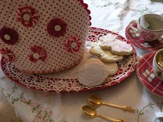 ! Sew we STITCH: Tea Cozy For A Proper English Tea!