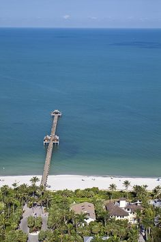 Pier stretching into the Gulf of Mexico, Naples, Florida