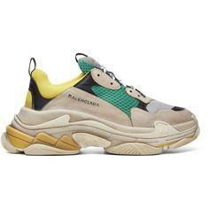 Balenciaga Beige And Green Triple S Sneakers In 7070 Jne/bge/vrt/nr/ Look Fashion, Mens Fashion, Fashion Trends, Runway Fashion, Fashion Inspiration, Balenciaga Shoes Mens, Men's Shoes, Shoes Sneakers, Curvy Petite Fashion