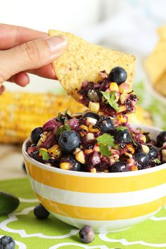 Blueberry and Grilled Corn Salsa by thesuburbansoapbox #Salsa #Blueberry #Corn