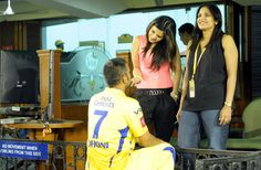 Sakshi Dhoni's Style Statement | Photo Gallery - Yahoo! Cricket India