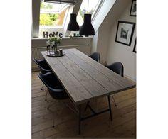 Spisebord, Træ, Hjemmelavet plankespisebord og farven