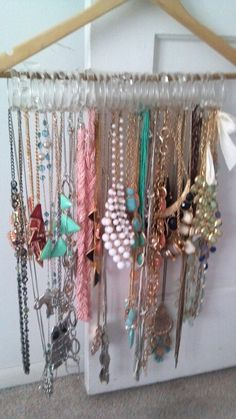 Necklace organization-I really need to do this to my necklaces!!