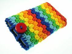 Für die Farbaktion FebruarMix habe ich aus Ökotex Standard 100 Baumwollgarn eine kunterbunte Handytasche in den Farben des Regenbogens gehäkelt.   ...