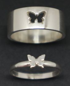 Read The Title! Cute Promise Rings, Cute Rings, Pretty Rings, Hand Jewelry, Cute Jewelry, Jewelry Accessories, Matching Couple Rings, Matching Jewelry For Couples, Matching Promise Rings