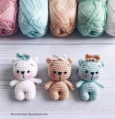 Gorgeous Amigurumi Dolls Love this sweet travelling doll crochet amigurumi pattern!As you know, I love amigurumi! And I'm so impressed by the lovely amigurumi doll patterns that are aOne piece amigurumi doll tutorial type photo, from the bottom up. Crochet Motifs, Crochet Amigurumi Free Patterns, Crochet Animal Patterns, Crochet Bear, Stuffed Animal Patterns, Cute Crochet, Crochet Animals, Crochet Dolls, Crochet Teddy Bear Pattern Free
