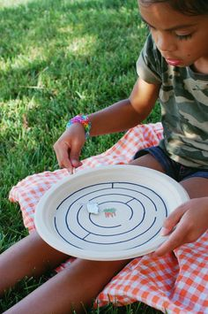 diy paper plate magnet maze- these would be great for a gathering game