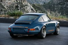 """911 Porsche """"Restored, reimagined, and reborn"""" by Singer Vehicle Design. To me the most desirable car « Montana » version"""