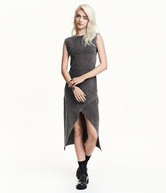 e902be066 Calf-length sleeveless dress in jersey with a seam at the waist