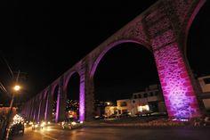 Querétaro | Arcos se pintan de rosa en mes de la lucha contra el cáncer de mama - Alternativo.MX