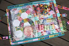 Camp Stitchalot Bag (to carry projects) Sewing Box, Sewing Notions, Bag Patterns To Sew, Sewing Patterns, Shirt Patterns, Home Sew, Floral Bags, Sewing Accessories, Quilt Making