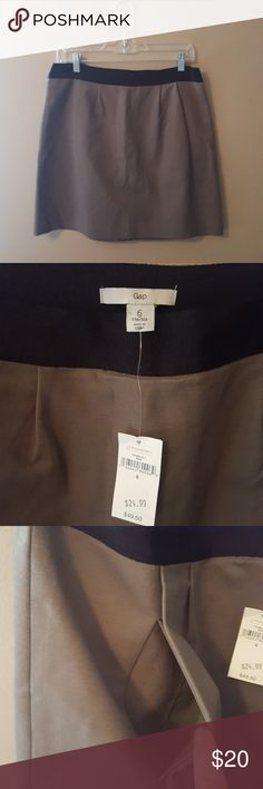 "Super cute NWT Gap Skirt NWT Gap Mini Skirt 18"" long. Stretch material with 97% cotton and 3% spandex. Gray with black waist. Two hidden pockets under the front pleats. This would look fantastic with some of my other listings. Like this skirt to see what to pair it with. I offer 15% off bundles of 2 or more. GAP Skirts Mini"
