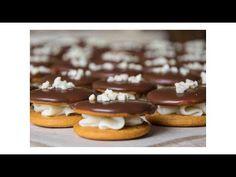 Christmas Baking, Christmas Cookies, Czech Recipes, Tiramisu, Ham, Cake Recipes, Waffles, Biscuits, Sweet Tooth