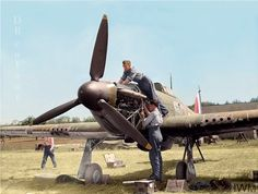 aviation_and_scale_models Mechanics servicing the engine of a Hawker Hurricane Mk.I from 501 Squadron RAF at No. Navy Aircraft, Ww2 Aircraft, Military Aircraft, Hawker Hurricane, The Spitfires, Supermarine Spitfire, Ww2 Planes, Battle Of Britain, Royal Air Force