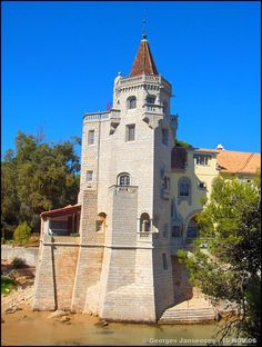 Torre de São Sebastião ou Palácio do Conde de Castro Guimarães – Cascais – Lisboa