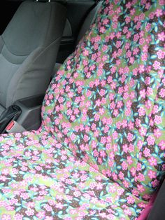tutorial to make your own seat covers for your car. I absolutely need to do this because my current ones are fugly. Just awful!