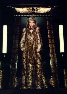 Twiggy regularly modelled for Biba, here wearing a leopard print robe in an Egyptian-inspired interior at the Biba store, 1971.