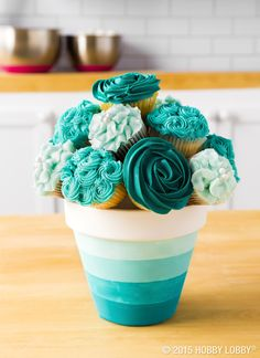So your cupcakes need a boost of pretty? No sweat. It's easy to take your homemade treats from bland to best in show!